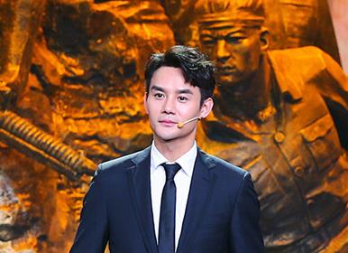 《海报里的英雄》王凯携手王丽坤重温历史