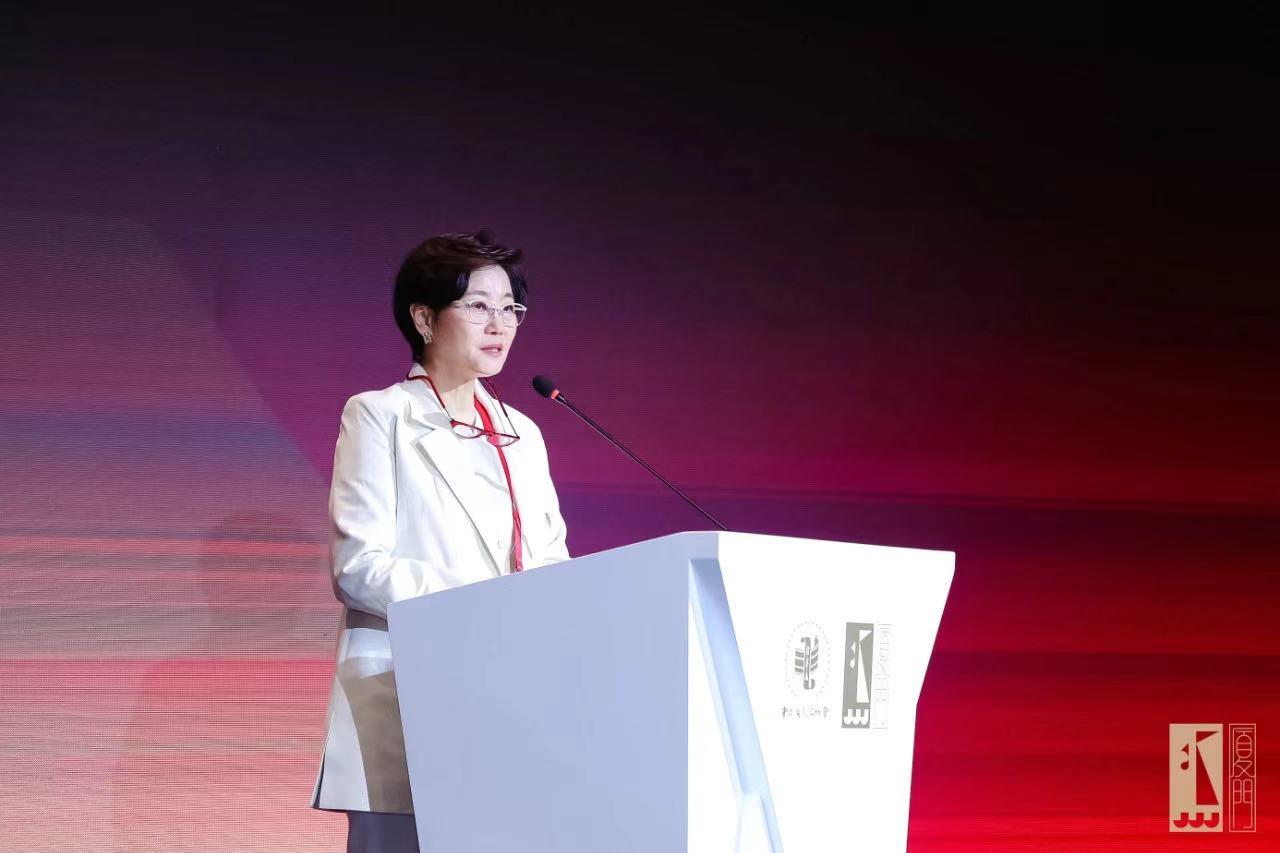金鸡奖女性电影论坛,李少红:困境反而让女性题材觉醒