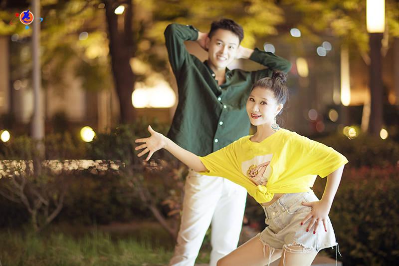 舞蹈家夏冰剧照:时光从容对饮,归来仍是少年