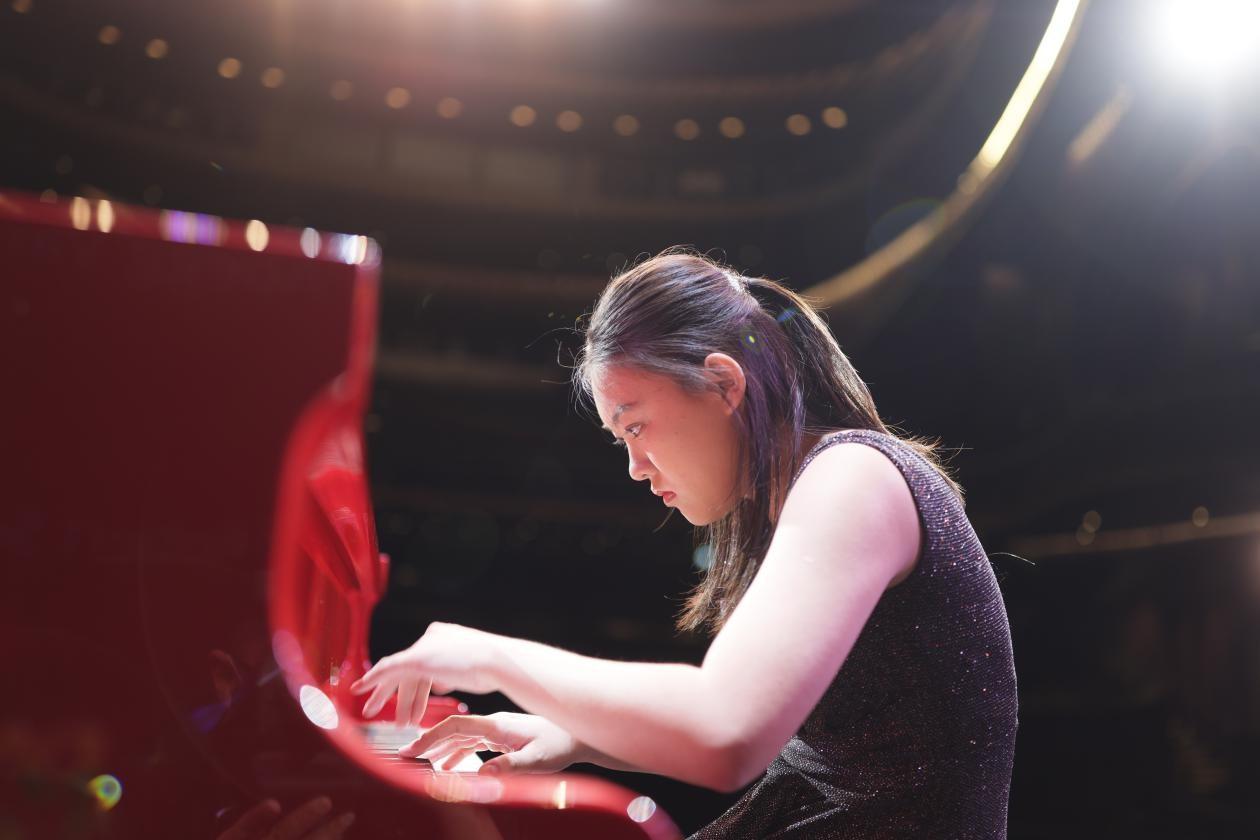 青年钢琴家廖偲婕文雅归纳 (2).jpg