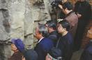 国宝级石刻失踪多年藏身峭壁 何君阁道再现人间