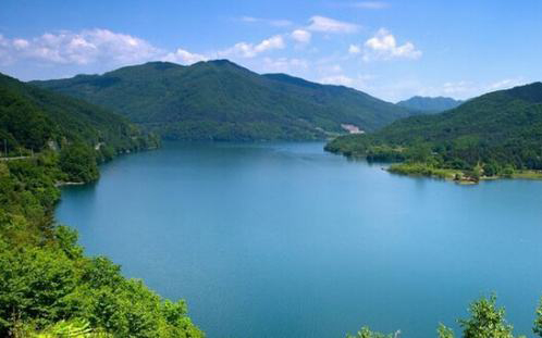 China reports uneven progress in reducing water pollution