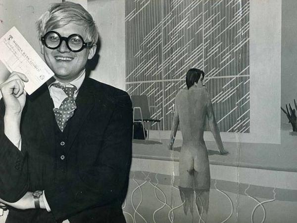 1967年赢得英国约翰·莫尔绘画比赛大奖
